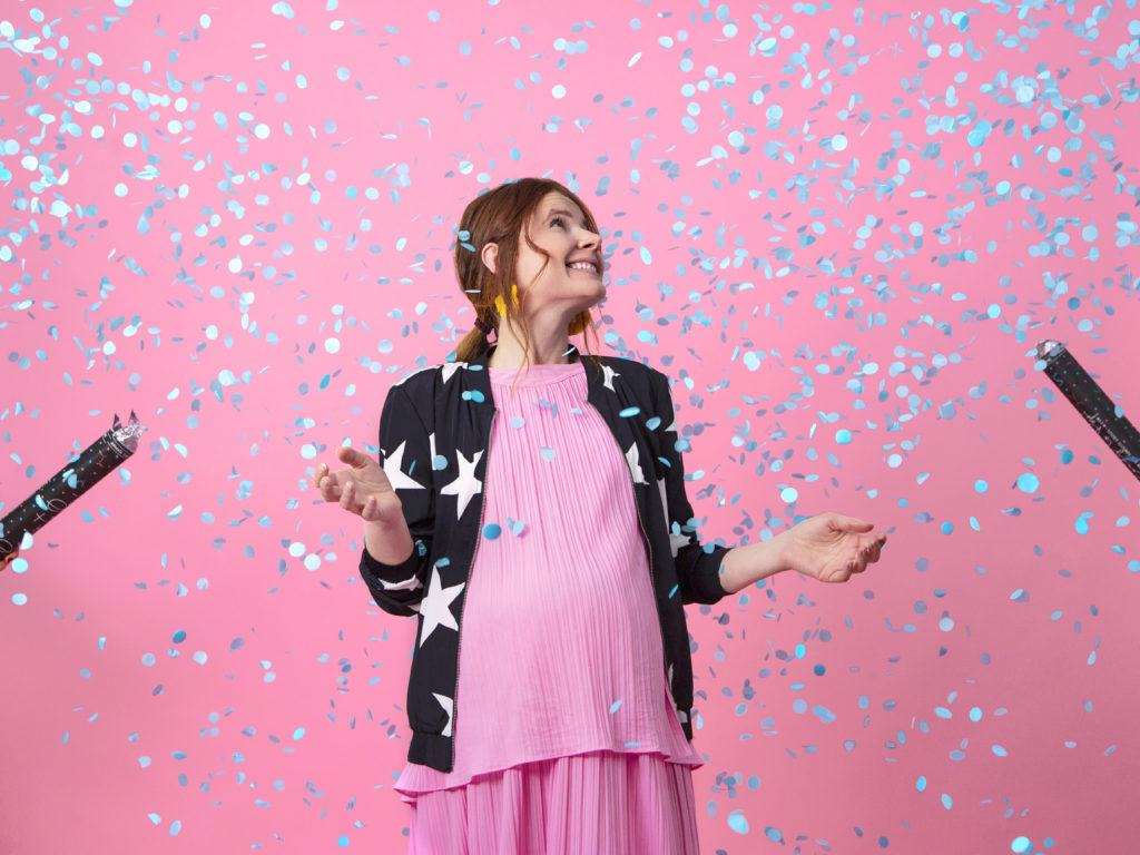 Confettis gender reveal party
